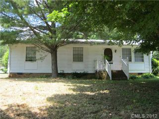 Foreclosed Home - 733 WOODLAWN AVE, 28120