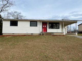 Foreclosed Home - 8 Homer Dr, 36869