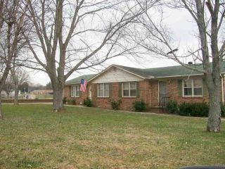 Foreclosed Home - 206 Couch St, 37110
