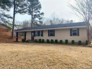 Foreclosed Home - 115 County Rd 5051, 38829