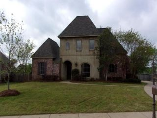 Foreclosed Home - 103 Chartres Drive, 39110