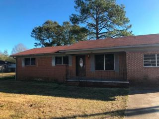 Foreclosed Home - 123 Sinclair St, 39452