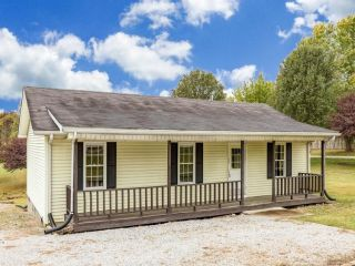 Foreclosed Home - 2420 Russellville Road, 42261