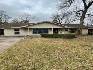 Foreclosed Home - 9706 Pine Lake Dr, 77055