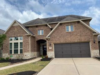 Foreclosed Home - 2630 Pecan Creek Ln, 77578